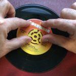 Lot de 20 adaptateurs en plastique pour disque vinyle Jaune 45 tr/min 17,8 cm